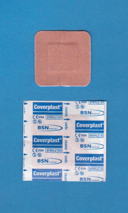 Pansements Coverplast* Tissu, Carré (bte/100)